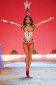 Throwback Featuring Angel Alessandra Ambrosio at the 2012 Victoria's Secret Fashion Show – Body Makeup by Kona Katie